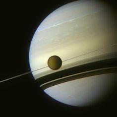 Color-composite image of Titan and Saturn (NASA/JPL/SSI/J. Major)