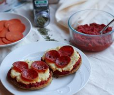 Applegate Pepperoni English Muffin Pizza (dairy-free, paleo) http://stalkerville.net/ #21dsd