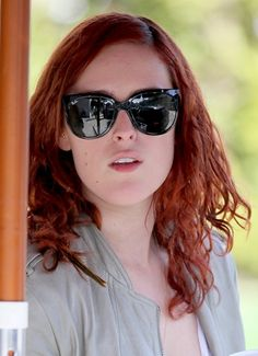 Rumer Willis red, wavy hairstyle