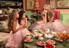During Tea Time, Taylor Swift talks about boys with Sophia Grace & Rosie.