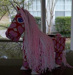 holiday, hors valentin, craft, valentin box, unicorn valentin, kid stuff, valentine boxes, yarn, unicorns