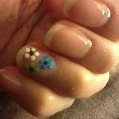 Cute dot tool flower nail art :)
