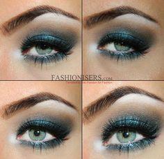 Bluetiful christmas makeup tutorial