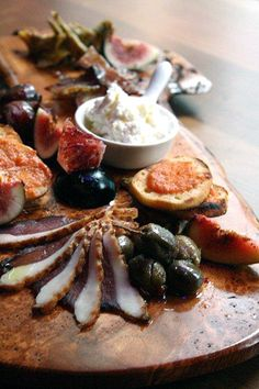charcuterie platter....so inspired by this set up!
