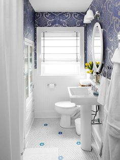 gorgeous blue + white bathroom