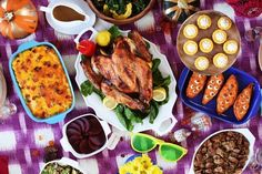 This year BuzzFeed created a guide on how to have the best-ever potluck Friendsgiving…