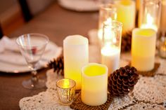 3 Ways to use flameless LED pillar candles to decorate your holiday table setting #holiday #tablesetting