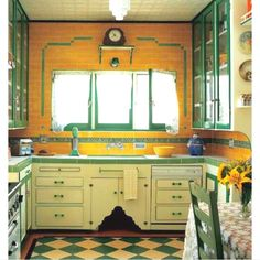 Love the green and gold... A #Baylor Bear's kitchen?