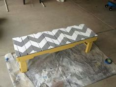 Pallet bench - so cute and easy.  Would be good for a mud room!