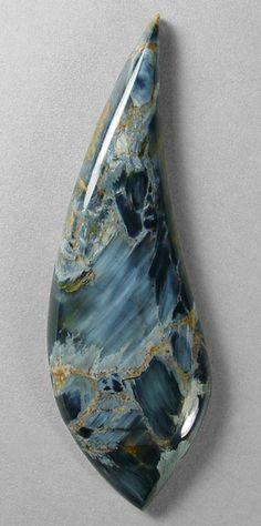Blue pietersite