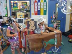 Teacher Idea Factory: COLUMBUS FUN + GOOD MORNING WORK MATH + FREEBIES