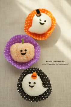 Rice ball of pumpkin and ghost (cute designs, could be made out of fondant or modeling chocolate too)