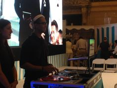 Scratch Academy DJ spinning amazing tunes!