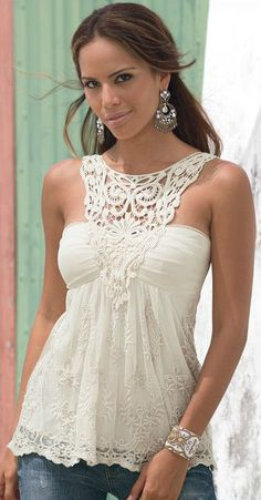 Crochet Lace Top clothing from crochet, strapless top, lace top, fashion woman summer, adding lace to clothes, lace summer tops, crochet lace idea, complete summer outfits, crochet black top
