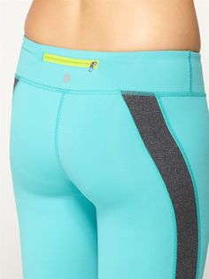 #ROXYOutdoorFitness back pocket detail
