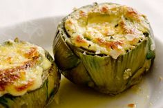 Artichoke with baked brie sauce