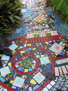 modern gardens, interior design, garden mosaics, interior garden, garden paths, tile, walkway, garden design ideas, modern garden design