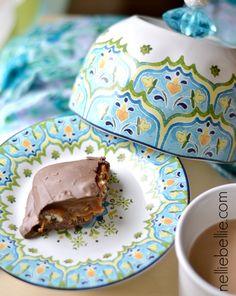 diy mini domed cake stand