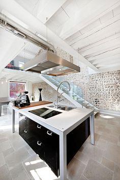 Rustic on the outside #design #interior #decor #architecture #designidea #interioridea #missdesign
