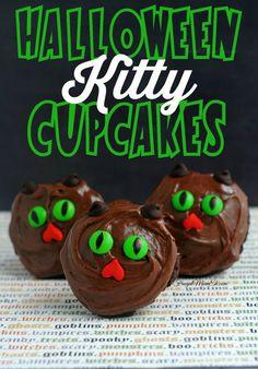 Halloween Kitty Cupcakes #Halloween #Cupcakes #BlackCat