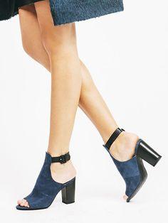 """Discovery"" cutaway bootie - Seychelles Footwear"