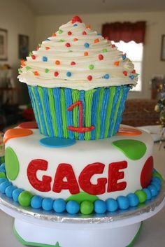 Love the giant cupcake cake