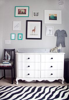 love this changing table.