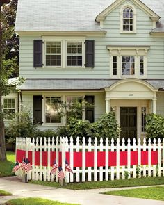 picket fence charming!
