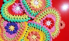 potholders made from the Grandma's heart pattern - crochet free pattern