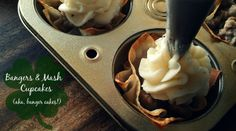 Happy St. Patrick's Day: Bangers and Mash Cupcakes | theblueberrybison.com