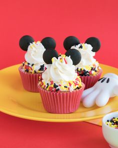Mickey Mouse Cupcakes Tutorial with Ears! | Sweets & Treats