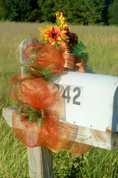 Fall Mailbox Topper