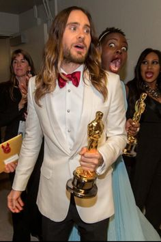 10 of the most EPIC Oscar photobombs from last night