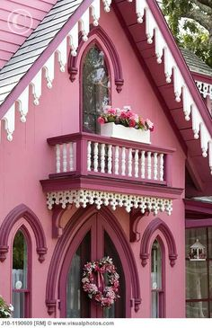 house trim, martha vineyard, oak bluff, colors, balconies, cottages, pink houses, homes, gingerbread houses