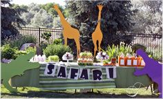 Adorable safari-themed birthday party #party #outside #animals