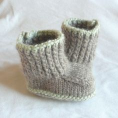 FREE CONVERSE BABY BOOTIE KNITTING PATTERN - VERY SIMPLE FREE KNITTING PATTERNS