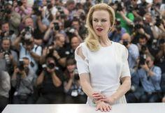 Nicole Kidman principessa di Cannes al festival del Cinema, in etereo abito bianco per presentare il suo film su Grace di Monaco