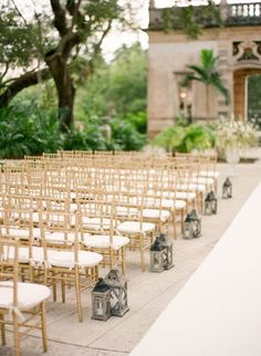 Nice neat rows of Chiavari chairs for outdoor ceremony. More on SMP: http://www.StyleMePretty.com/2014/05/28/romantic-glamour-in-miami/ Photography: KTMerry.com