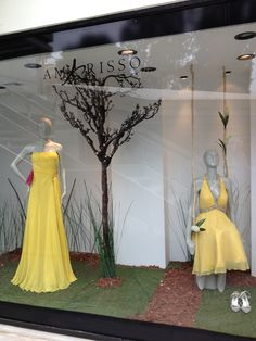 Amarisso New York Shopping Window in Kifissia. Evening and cocktail dresses. Wedding gowns.