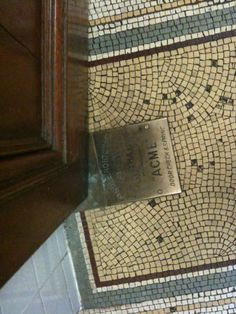 The loo floor in the National museum of Ireland via @FUSE_DESIGN