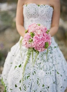 handmade crochet doily wedding gown - and note how impactful hydrangeas can be - looks of bloom for the buck.  That's Smart... and Smashing!