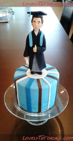http://www.lovelytutorials.com/forum/showthread.php?p=12569#post12569 gradat cake, cake écolegradu, peopl cake, cake decor, graduat cake, tier cake