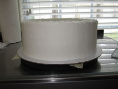 Perfectly Smooth Buttercream Icing - Tutorial - Cake Central