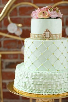 Mint and gold with quilting and ruffles. For Goodness Cakes.