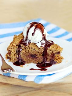 It's a giant chocolate-chip Pizookie you can feel GOOD about eating!
