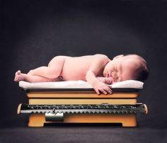 Baby on scale - precious des photo, newborn pic, baby portraits, photographi idea, birth announc, photo idea, photo original