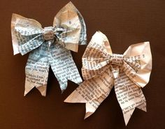 Great paper bow tutorial. This project would be so fun with sheet music!!