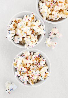 Birthday popcorn:) Great birthday treat instead of cupcakes! A little less sugar, and sprinkles always bring smiles!