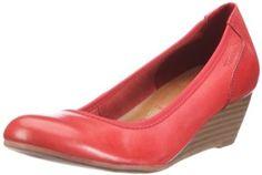"""Modischer Damen-Pumps von TAMARIS. Immer im Trend der Zeit überzeugt das Lifestyle-Label TAMARIS mit stylischen Schuhen für jeden Anlass. Dieser TAMARIS Schuh ist mit einer speziellen Sohlentechnologie ausgestattet: TAMARIS Schuhe mit der Sohlentechnologie """"Memory Foam"""" enthalten eine spezielle Polsterung unter der Decksohle, welche aus einem speziellen Schaumstoffmaterial mit plastischen Eigenschaften besteht"""
