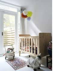 Crib-pinned by www.auntbucky.com  #crib #nursery #auntbucky #baby #furniture